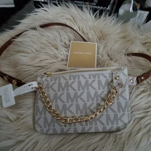 Michael Kors belt purse with gold chain NWT👛